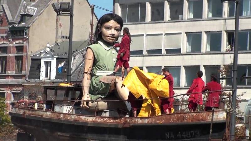 20100820 De Duiker zijn hand en de Kleine Reuzin @ Antwerpen