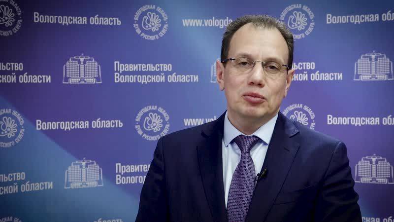 Виталий Валерьевич Тушинов, заместитель губернатора Вологодской области, поздравил предприятие МУП Электросеть со 105-летием.