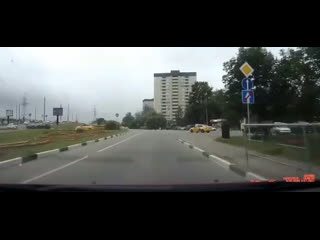 Почему от таксистов на дороге нужно держаться подальше
