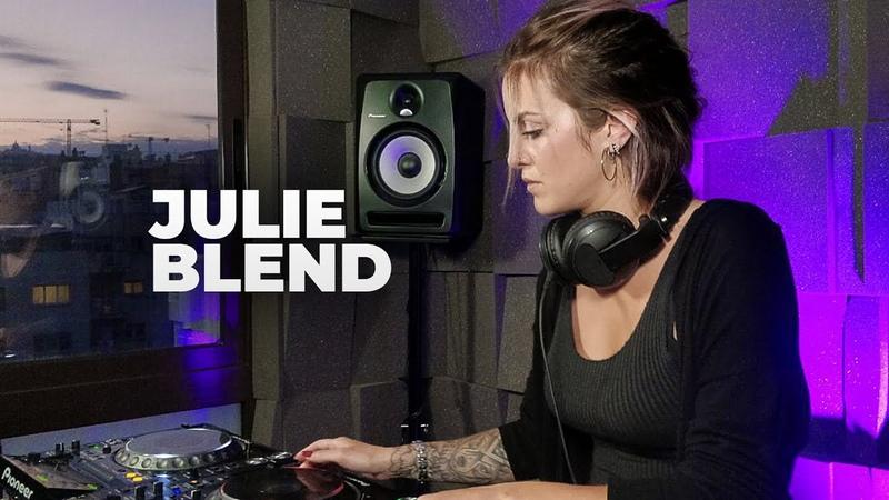 Julie Blend - Live @ Radio Intense Barcelona 27.05.2020 Melodic Techno Mix
