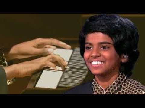 The Worlds Best Mini Maestro Dazzles Judges Playing Piano At Lightning Speed In Audition