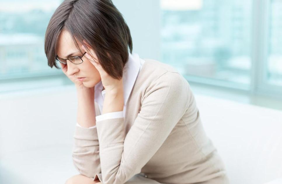 Раздражительность и нарушение мышления могут возникать из-за недостатка углеводов.