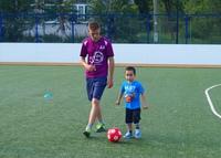 Занятие наших юных чемпионов на футбольном поле школы №66 (Аэродромная, 65).