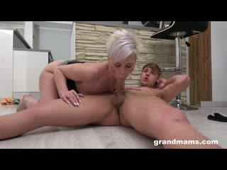 [LIL PRN] Grand Mams - Seducing Her Step-Son  1080p Порно, Blonde, Mature