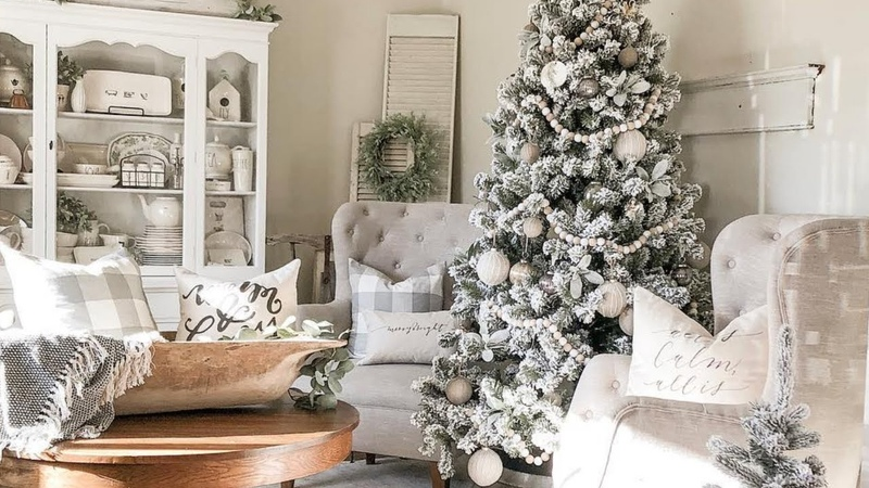 Amazing rustic Christmas farmhouse home tour