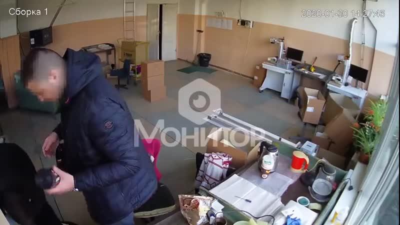 Менты в Одессе воруют у незрячих еду и вещи