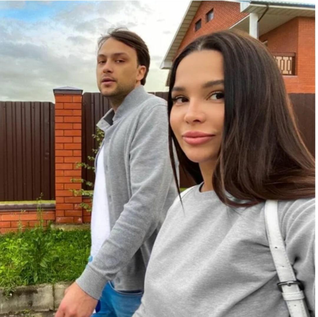 Катя Колисниченко с мужем собираются строить свой коттедж