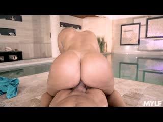 Трахнул спортивную зрелую мачеху в бассейне, sex porn ass milf tit mom son step new hot incest (Инцест со зрелыми мамочками 18+)
