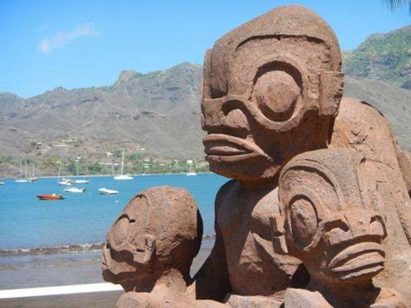 Нечеловеческие изваяния острова Нуку-Хива упорно хранят свои тайны, изображение №2