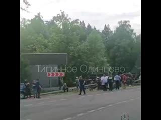 Грузовик ушел в забор Сады Майендорф (Барвиха)