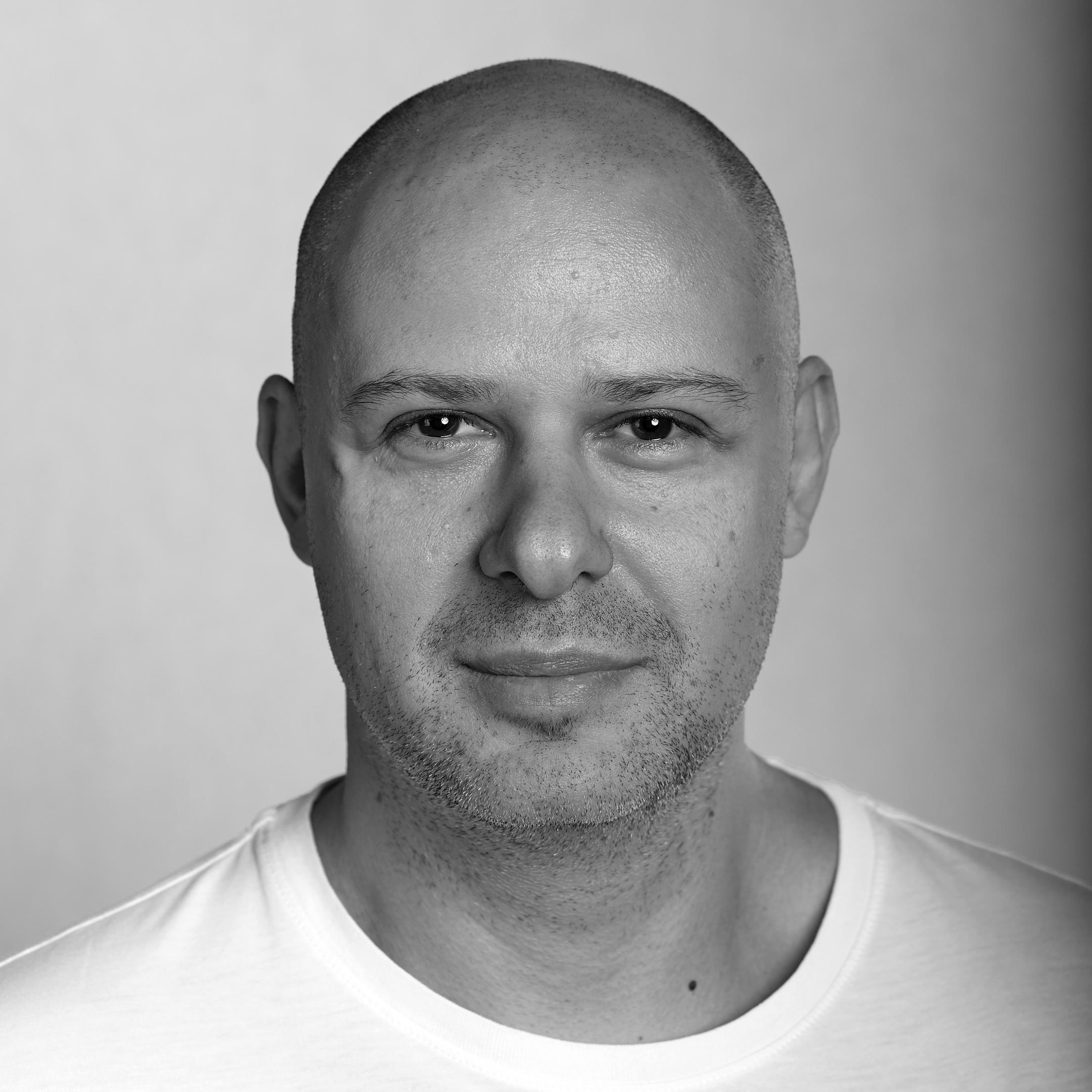 Сегодня в 10:00 на 44-ом году жизни креативный директор Warface Михаил Хаймзон был на…