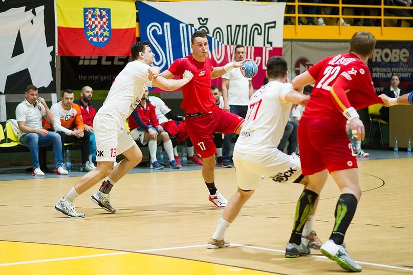 Товарищеские матчи. Играют немногие, с трофеями белорусы и македонцы, изображение №3