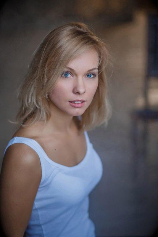 Сегодня день рождения у Стрельниковой Полины Вадимовны (Полина Сыркина).