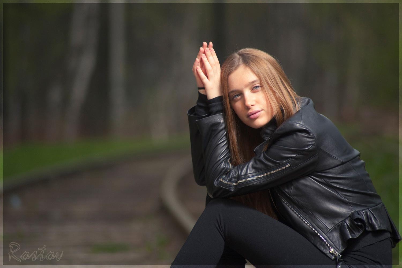 Сегодня день рождения отмечает Андрусенко Анна Валерьевна.