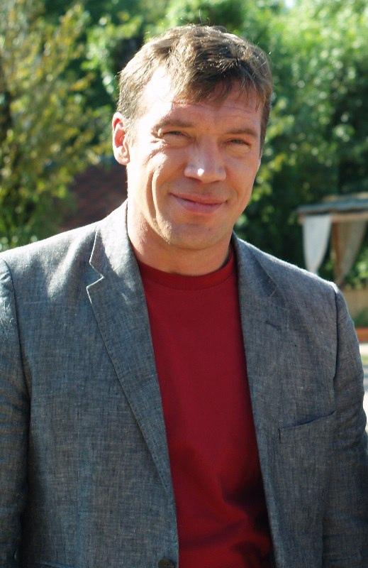 Сегодня день рождения у Чернова Олега Николаевича.