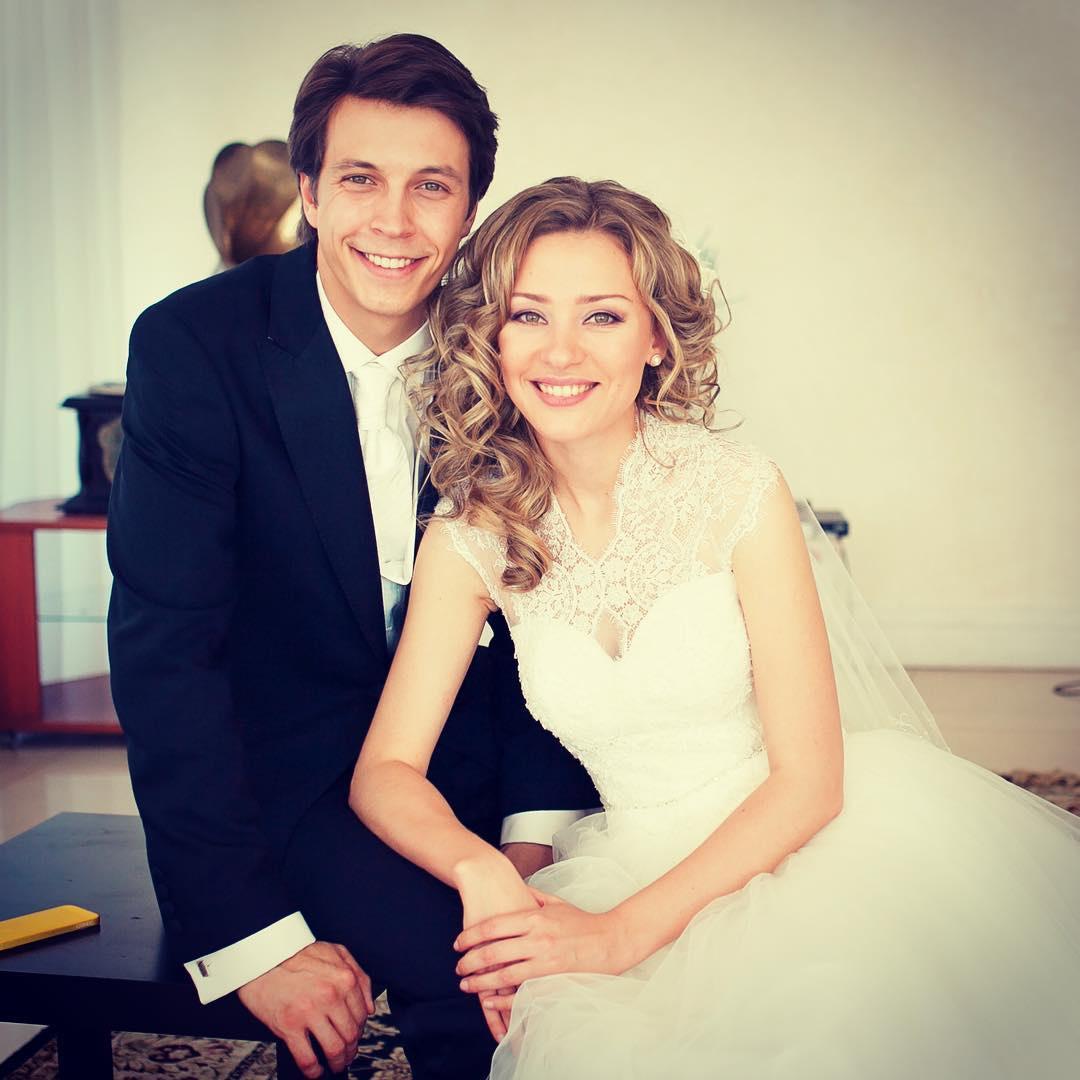 Ирина Таранник с мужем Денисом Васильевым.