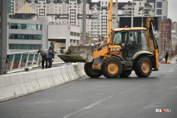 Макаровский мост будут проверять с помощью с помощ...