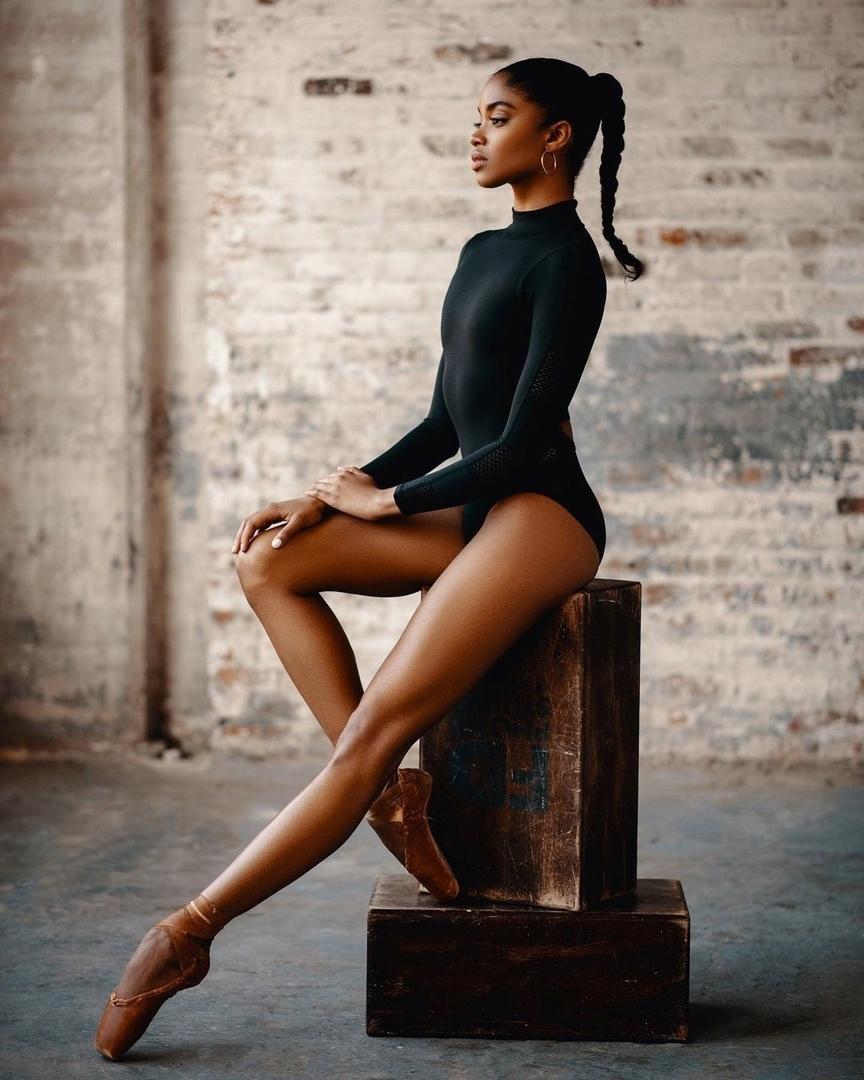 Талантливая юная балерина!