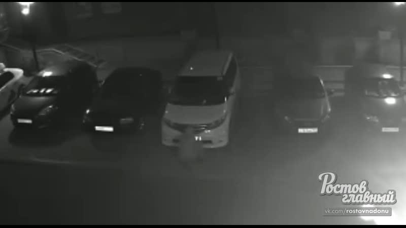 На Портовой парень украл номера с машины 6 8 2020 Ростов на Дону Главный