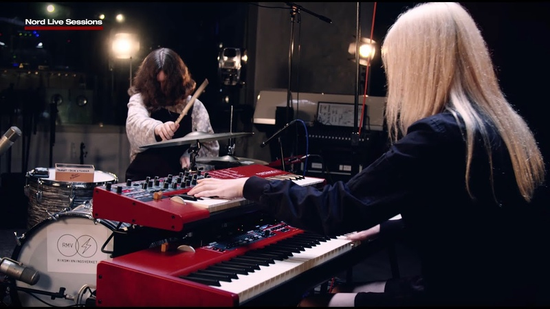 Nord Live Sessions DOMi JD Beck - Sniff