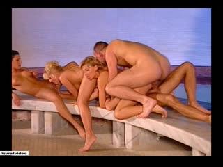 Virginias Story с русским переводом (полнометражный порно фильм,ретро,anal,mature,milf,анал,в жопу,озвучка,в попку,DP)