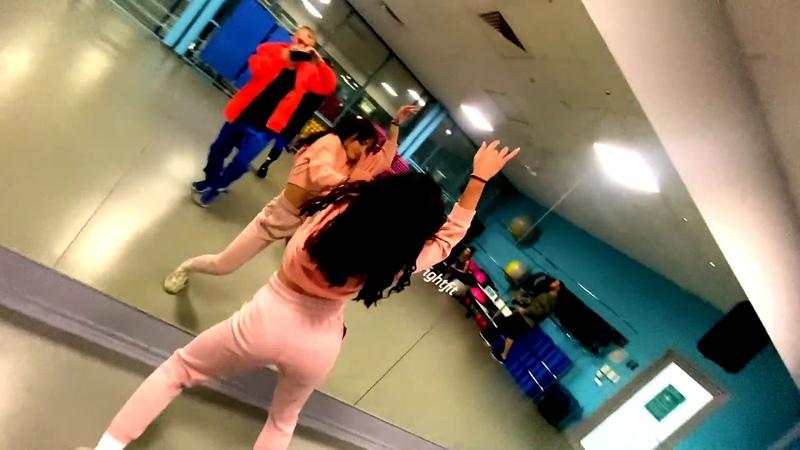 СЯВА БЕЗ ПОВОДА Танец jeny miki