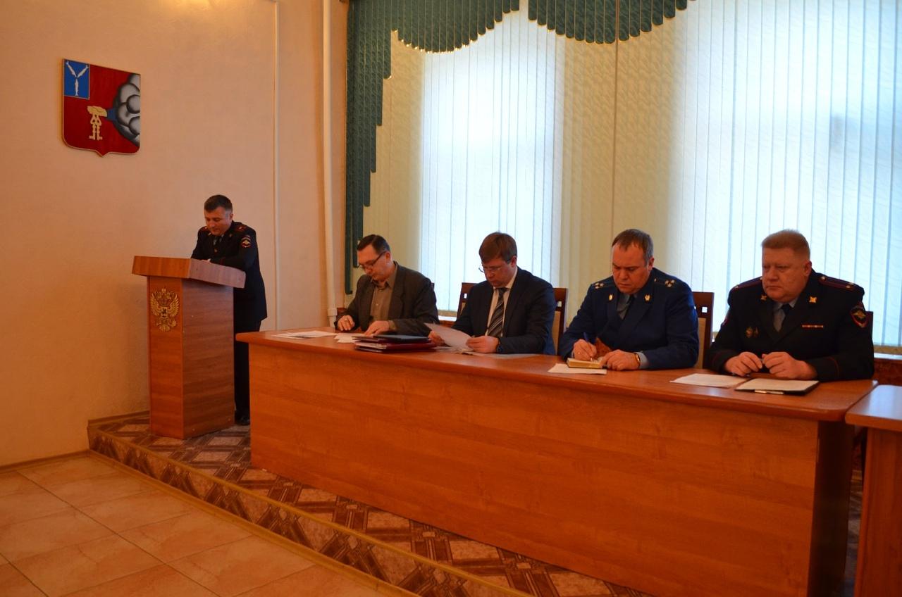 В администрации Петровского района состоялись заседания двух межведомственных комиссий - антинаркотической и по профилактике правонарушений