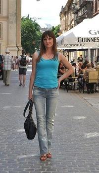 Анна Агатова