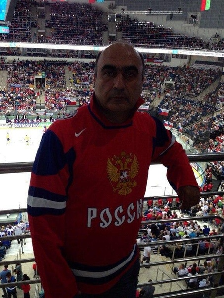 На фото 58-летний бизнесмен из Иваново Рубик Мкртчян Он взял в руки свое ружье и ворвался в дом к 41-летнему соседу, после чего застрелил его. На данный момент стрелок уже задержан.Как думаете,
