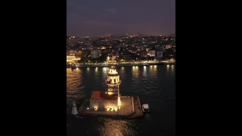 Деви́чья башня расположена в азиатской части Стамбула