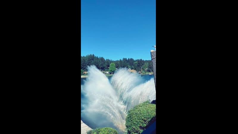 Раздвигая воды