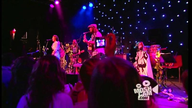 Angus Julia Stone Paper Aeroplane Live in Sydney Moshcam