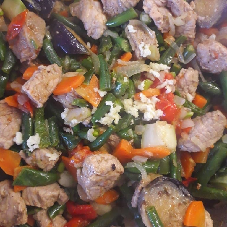 Свинина с овощами